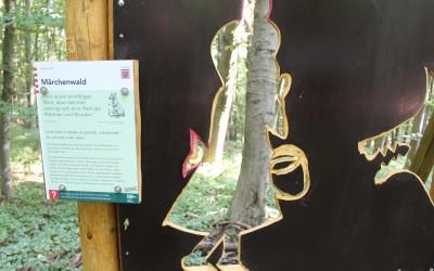 """Waldfenster """"Märchen"""" bei Glauburg"""
