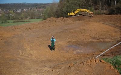 Der Damm im Bau